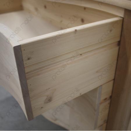 Linee guida in legno sui cassetti.