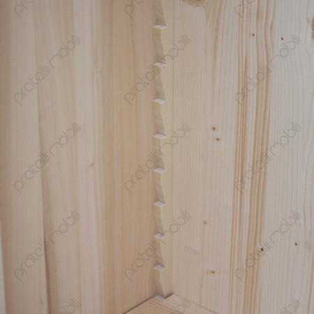 Libreria in legno con ripiani regolabili