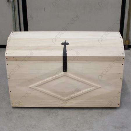 Baule in legno naturale dalla forma classica