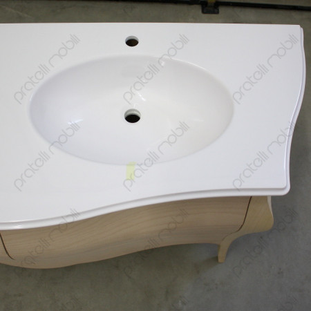 lavabo su piano in marmo bianco
