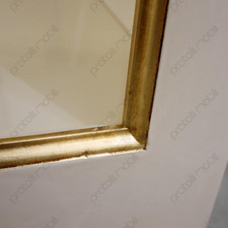 Anta con cornice in oro