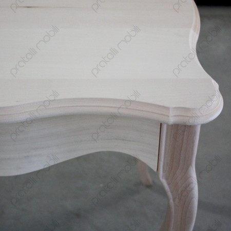Piano con cornice in rilievo