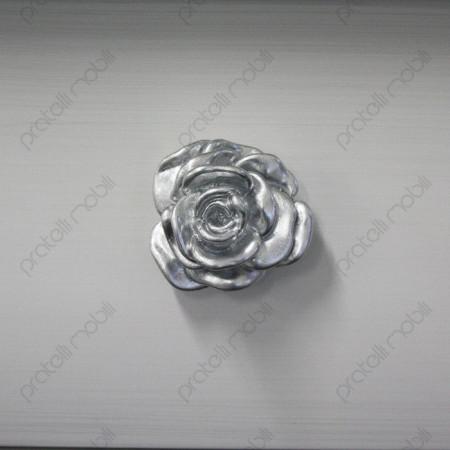 Particolare Maniglia a Forma di Rosa