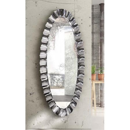 esempio di specchiera ovale in ambiente