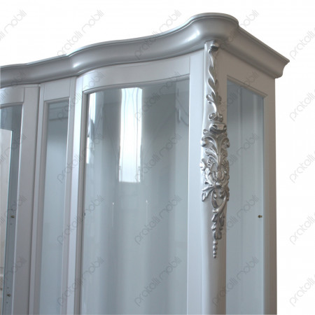 Vetrina bianca con intagli foglia argento
